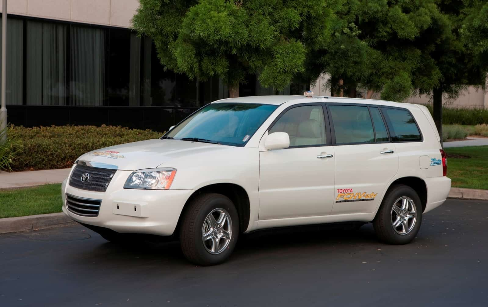 Toyota 2010 Fuel Cell Hybrid Vehicle